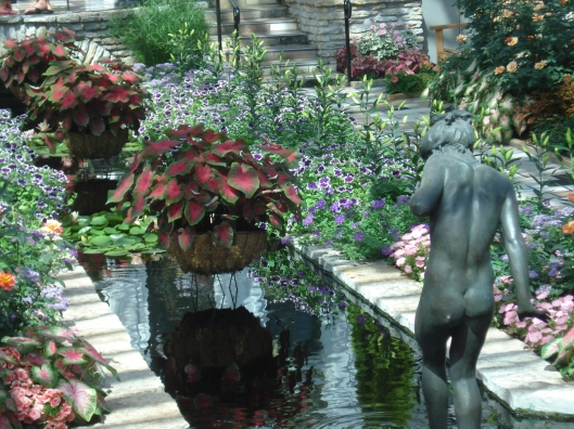 Interior pool with statue at Como Park Conservatory