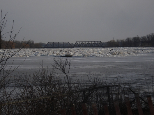 Ice flow on the Mississippi River, March 18, 2010.