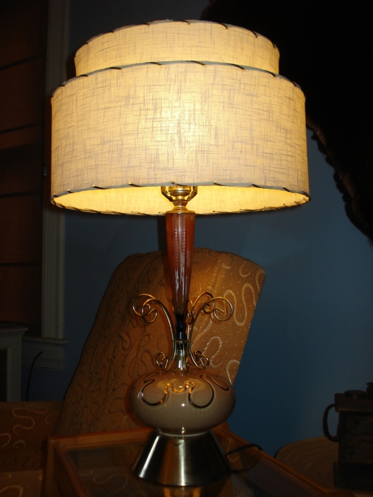 Mid-century atomic lamp, September 2011.