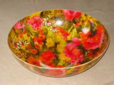 Floral bowl, pinks & greens.